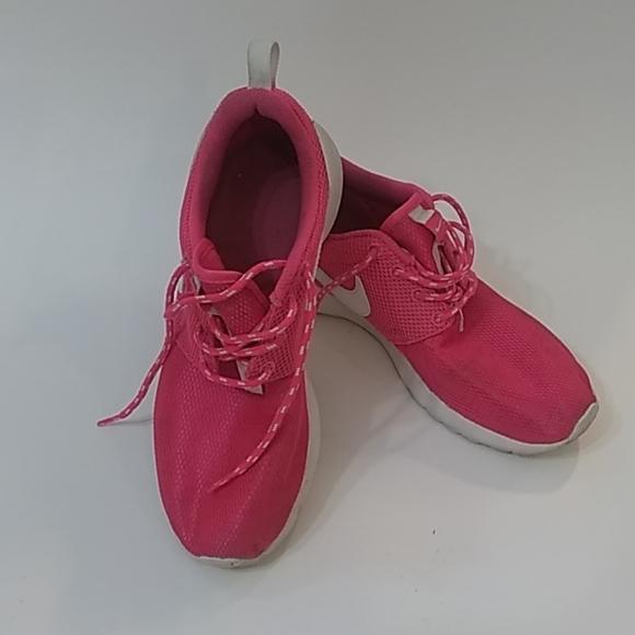 Hot Pink Nike Mesh Shoes   Poshmark